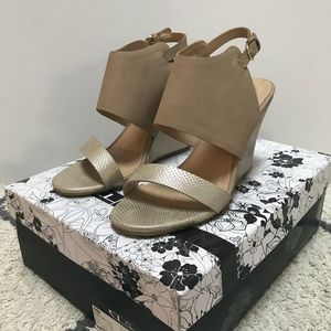 CL By Laundry Baja snake gold wedge